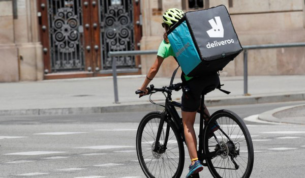 Image of Deliveroo delivery person on bile
